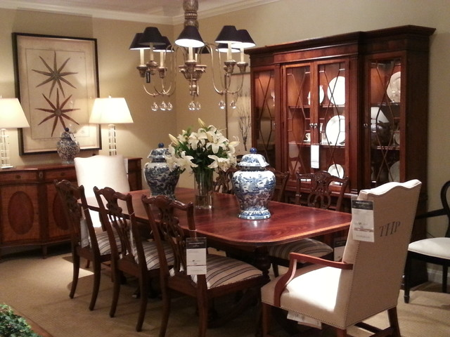 Ethan allen showroom for Ethan allen dining room