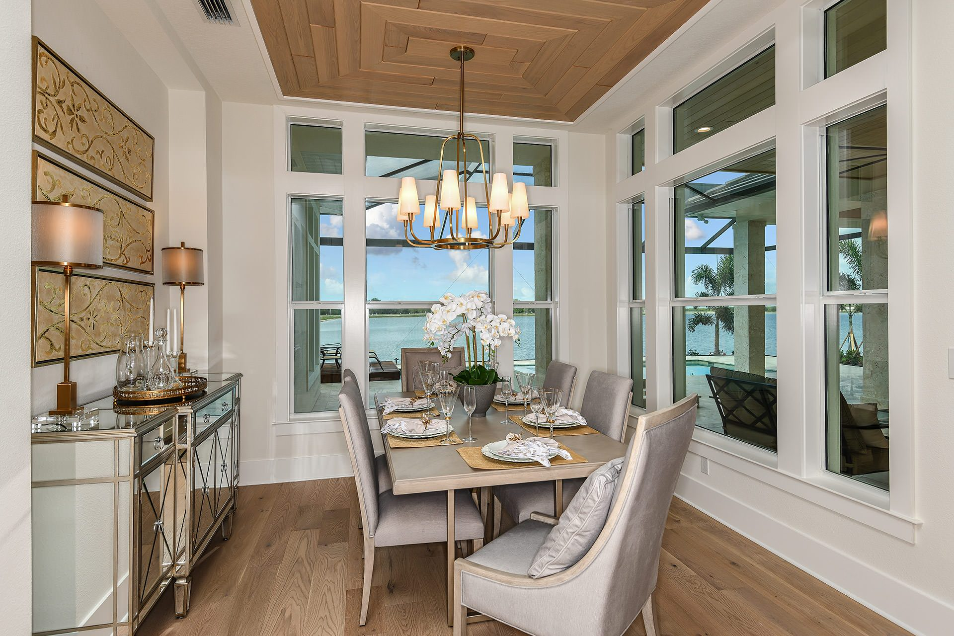 75 Beautiful Mediterranean Dining Room Pictures Ideas February 2021 Houzz