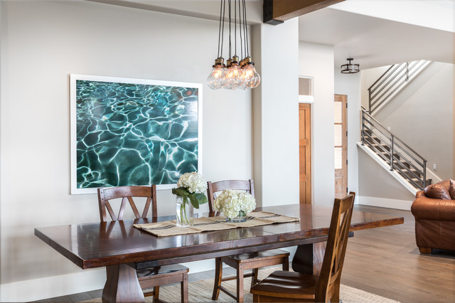 Open Floor Plan Lets Dining And Living Spaces Merge Country Dining Room