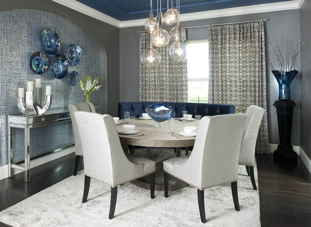Etonnant Inspiration For A Contemporary Dark Wood Floor Dining Room Remodel In  Dallas With Gray Walls