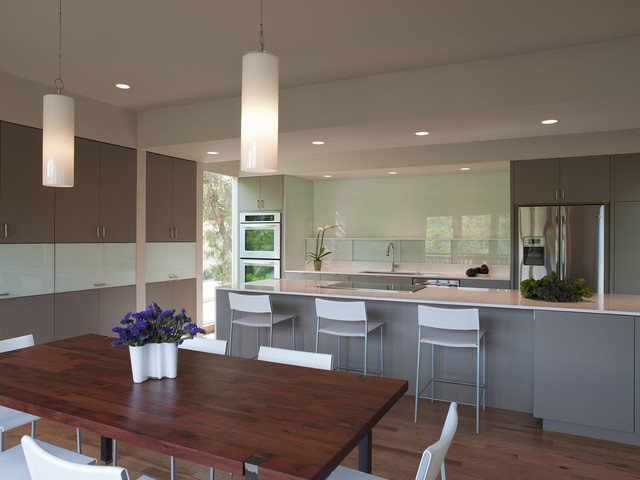 Foxtree Cove modern-dining-room