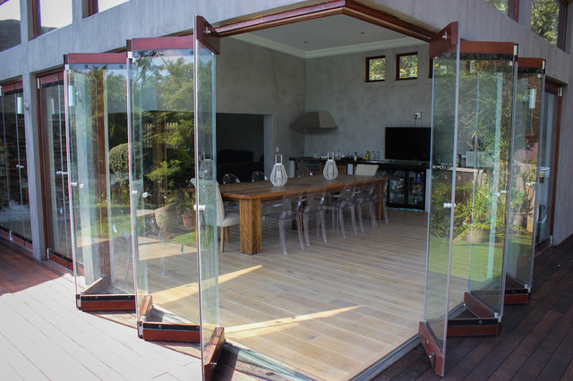 Frameless Folding Doors Contemporary Dining Room
