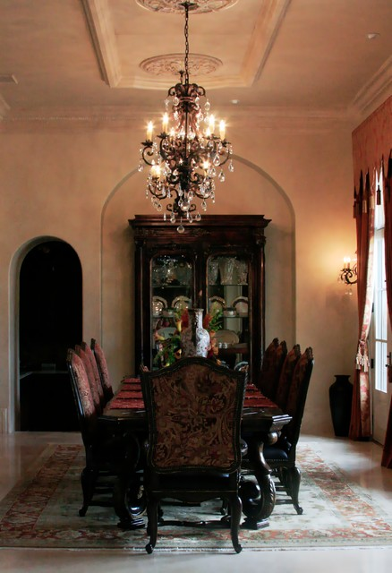 Inspiration for a large traditional kitchen/dining room in Dallas.