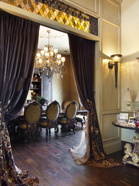 Gaillardia show home traditional-dining-room