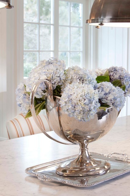 Garden city new york traditional dining room new for Beach glass interior designs