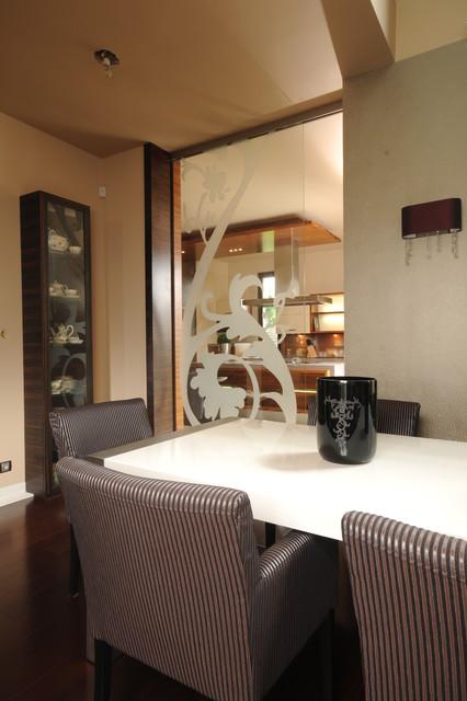 Geometric chic contemporary-dining-room