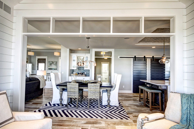 Georgetown Shores traditional-dining-room