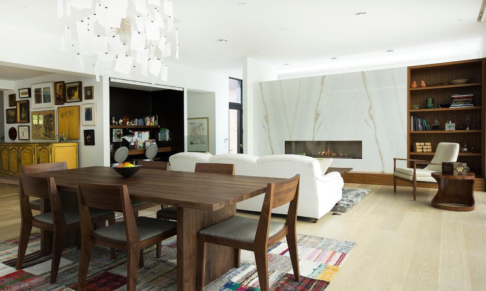 Dining room - dining room idea in Toronto