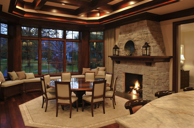 Golf Vacation Home traditional-dining-room