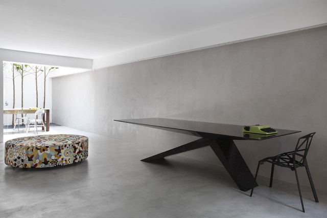 contemporary dining room by Denilson Machado - MCA Estudio