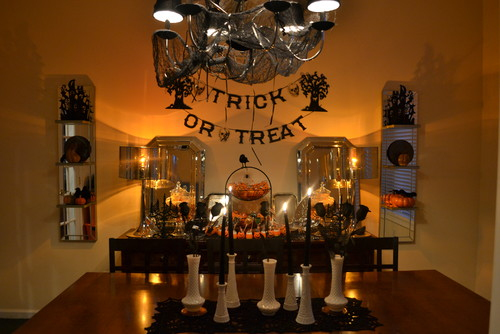 Do you decorate the inside of your home for halloween for How to decorate your house for halloween inside