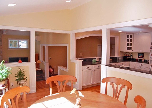 Hanover - Family Room & Kitchen Addition traditional-dining-room
