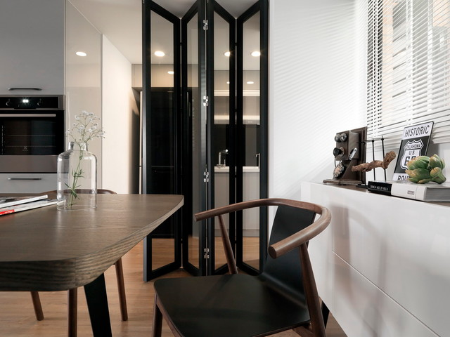 Hdb 4 Room At Woodlands By Spaceart Modern Dining Table Design Transitional Dining Room Singapore By Spaceart Interior Designers Decorators