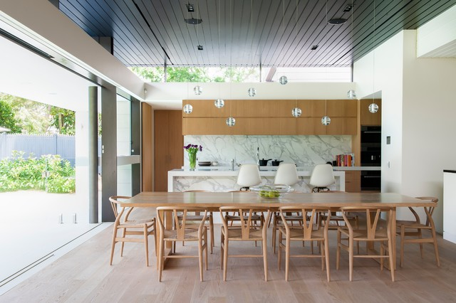 Heritage home renovated by tanner kibble denton architects for Dining room ideas australia