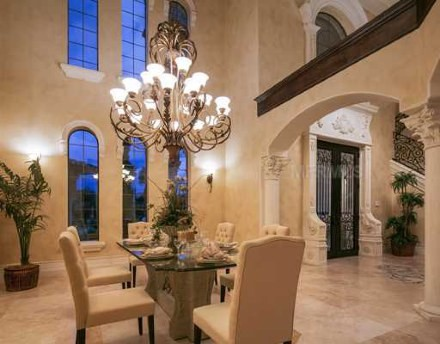 Hillosi House (by: Bartlett Construction) mediterranean-dining-room