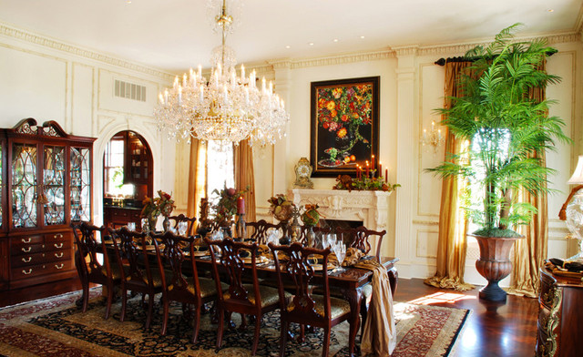Hilltop Plantation Home Traditional Dining Room