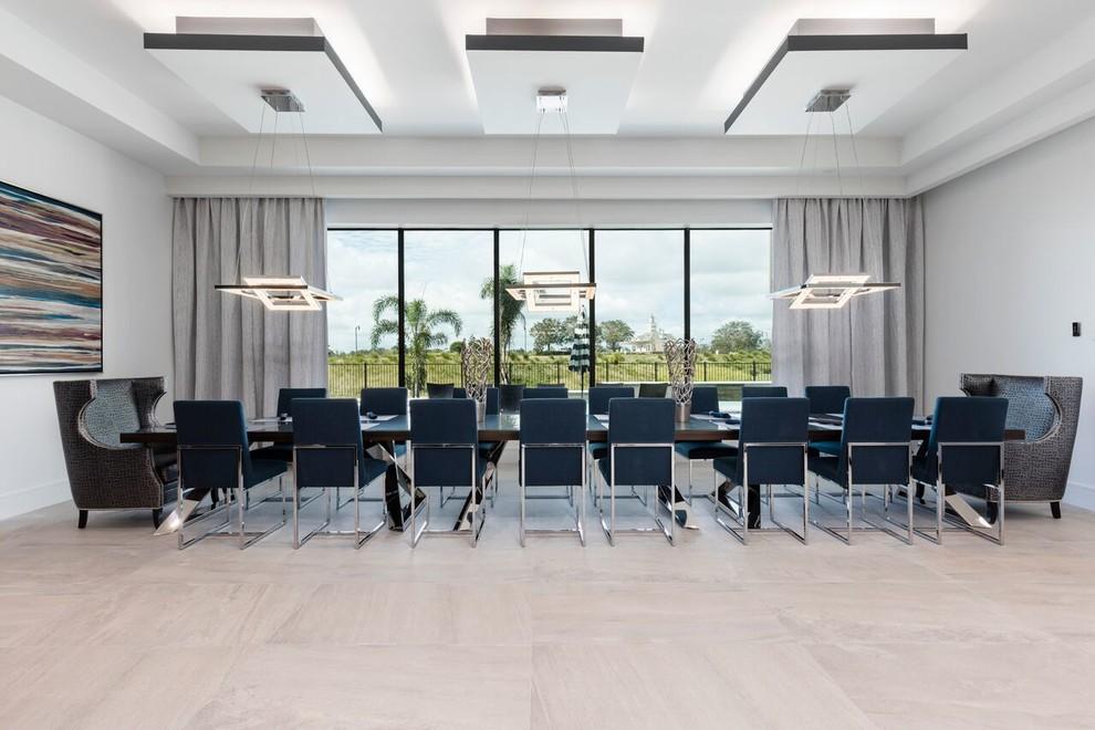 Dining room - contemporary dining room idea in Orlando