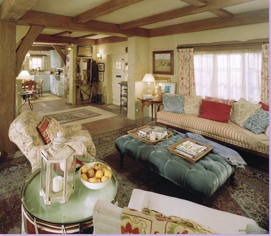"Homes from ""The Holiday"" dining-room"