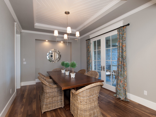 Houndstooth Residence traditional-dining-room