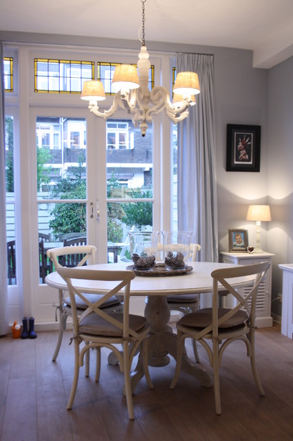 Divine Lighting The White Chandelier, White Chandeliers For Dining Rooms