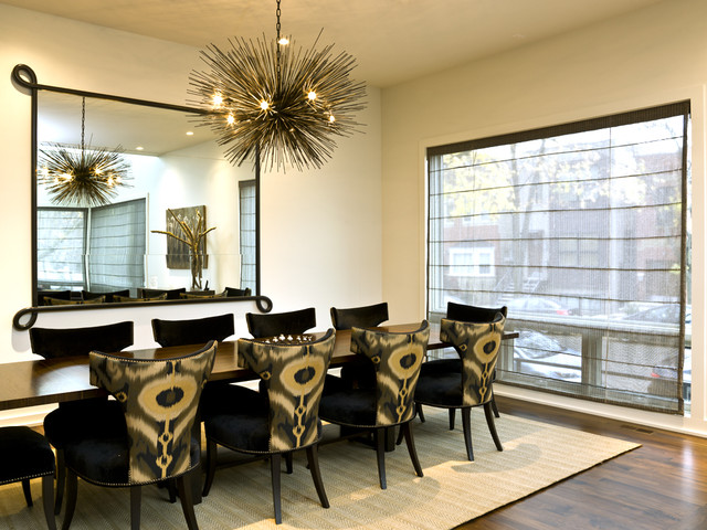 Superbe Minimalist Dark Wood Floor Dining Room Photo In Chicago With Beige Walls
