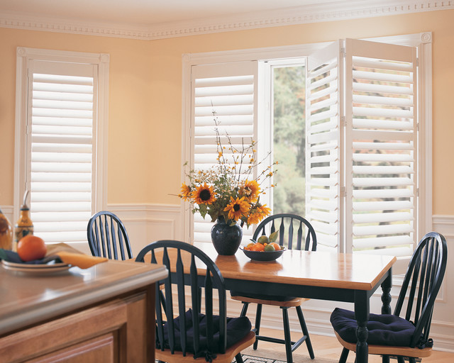 Hunter Douglas Casual Living Window Treatments  : traditional dining room from www.houzz.com size 640 x 512 jpeg 103kB