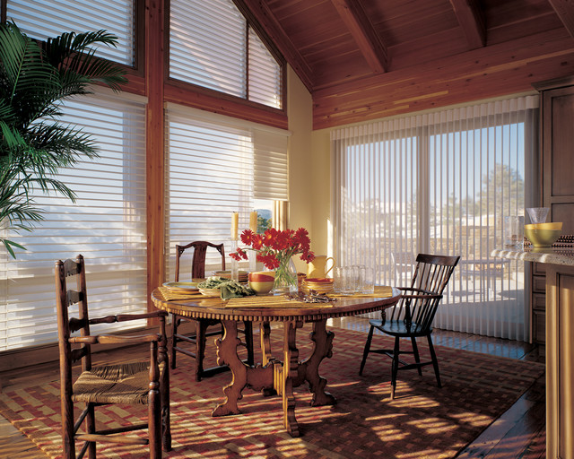 Hunter douglas casual living window treatments for Dining room window treatments