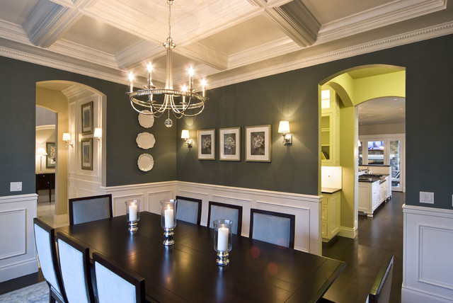 Example of a dining room design in Portland