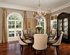 INTERIOR traditional-dining-room