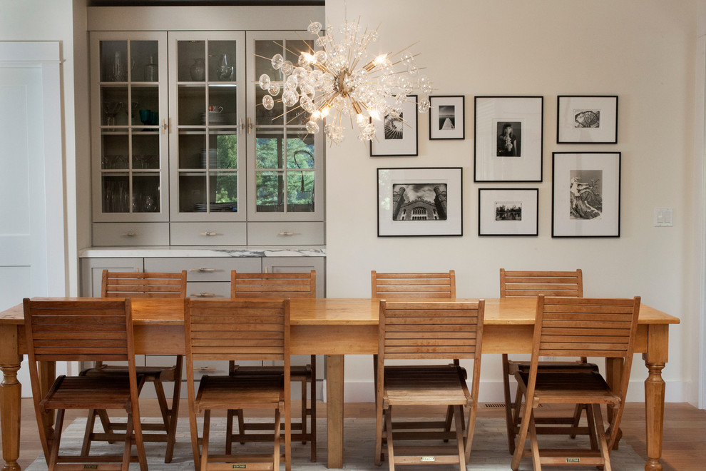 Photo of a classic dining room in San Francisco with white walls.