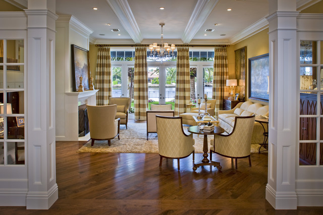 Intracoastal Waterway House traditional-dining-room