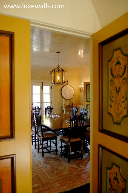 Italian plaster dining room traditional dining room for Luxe decor llp