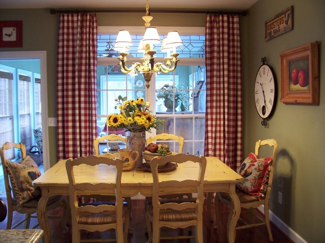 Kim nichols farmhouse dining room atlanta for Eclectic dining room designs