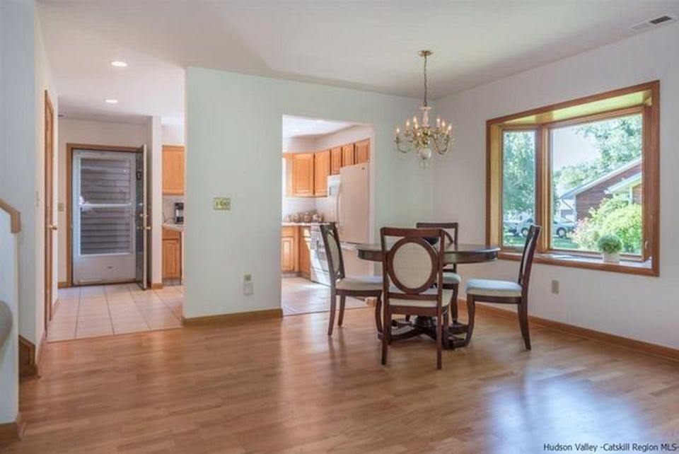 Kingston Townhouse Staging