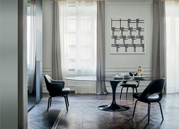 Knoll Saarinen Tulip dining table - black base marble top ...