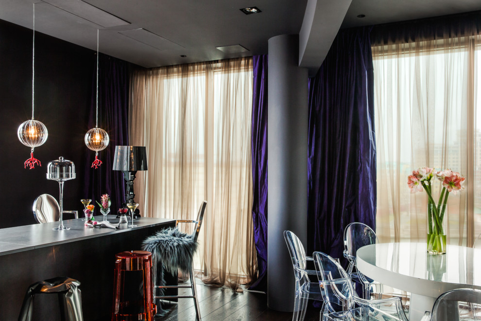 Dining room - eclectic dining room idea in Moscow