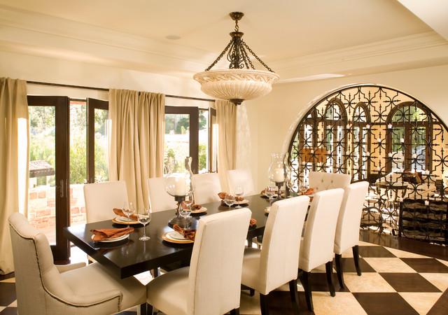 LA Itallian Villa Hillside home - Mediterran - Esszimmer ...