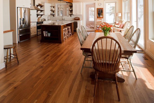 Lake Dore - Cottage traditional-dining-room