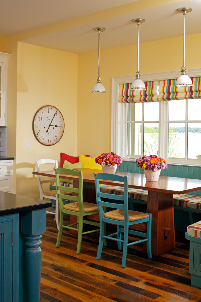 Kitchen/dining room combo - traditional kitchen/dining room combo idea in Grand Rapids