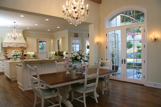 dining room by Landmark Builders