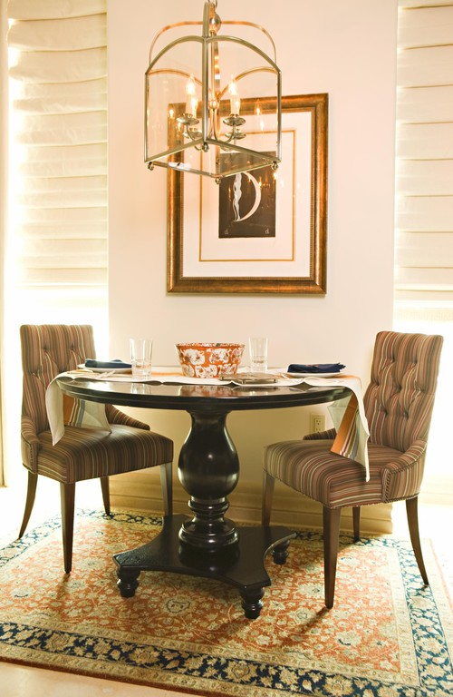 Small Dining Room Table. Las Vegas How To Style A Small Dining Area