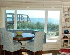 Leeman House traditional-dining-room