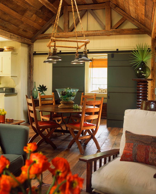 Lowcountry Carriage House Traditional Dining Room By