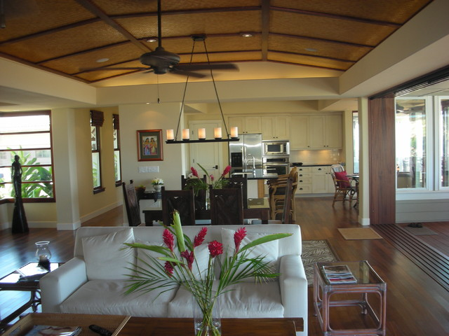 Maui Tropical Kitchen tropical-dining-room