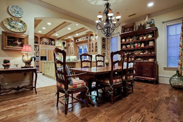MICHAEL MOLTHAN LUXURY HOMES traditional-dining-room