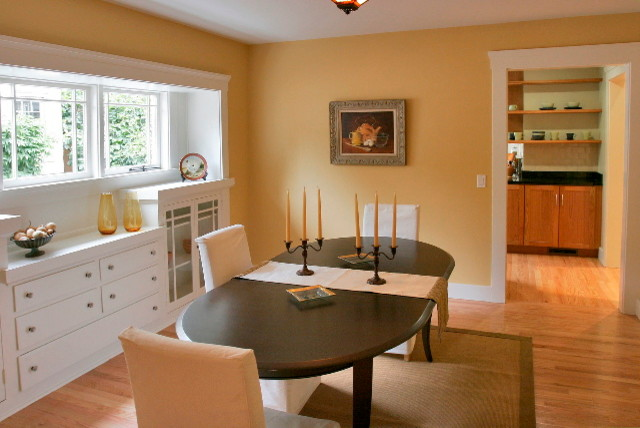 Dining room - craftsman dining room idea in San Francisco