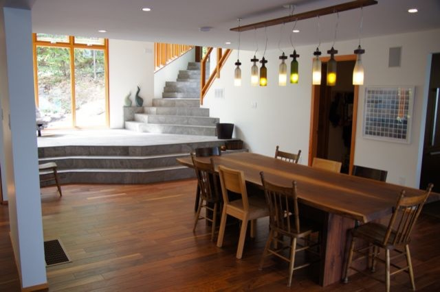 Mississagua Lake contemporary-dining-room