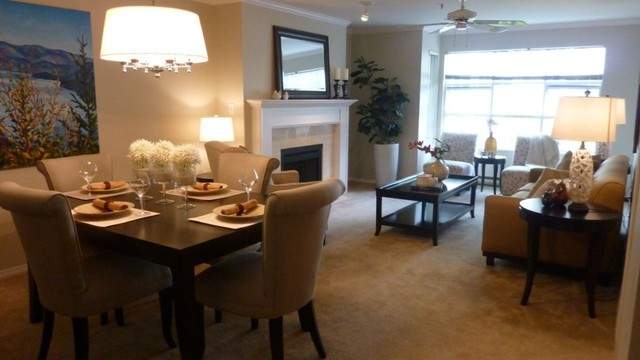 Model home staging traditional dining room jacksonville for Model home dining room
