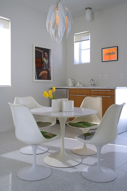 Miami Townhouse modern dining room