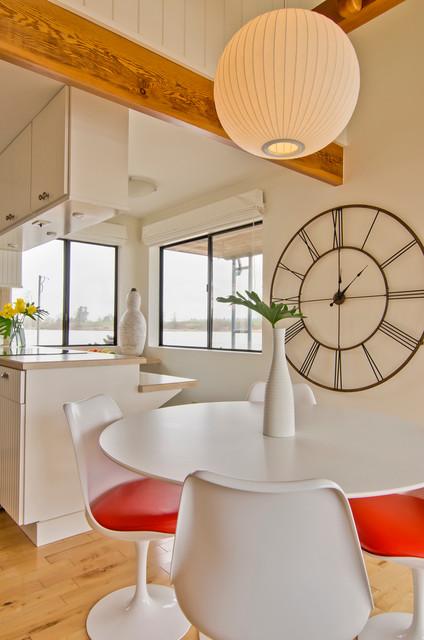 House boat living modern-dining-room